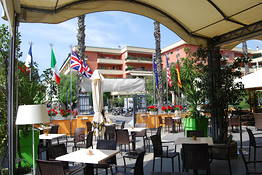 Kontatto Cafe & Steak House
