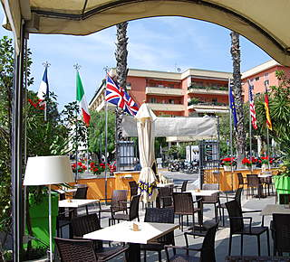 Kontatto Cafe & Steak House Hotel