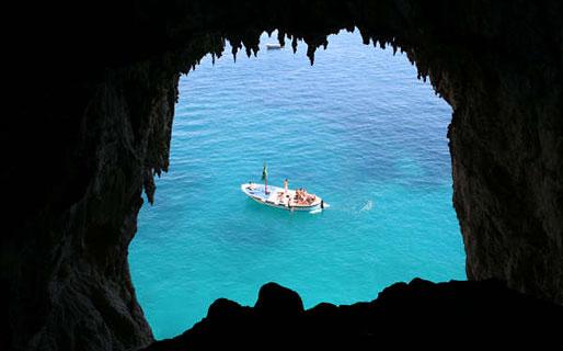 Gianni's Boat Excursions by sea Capri