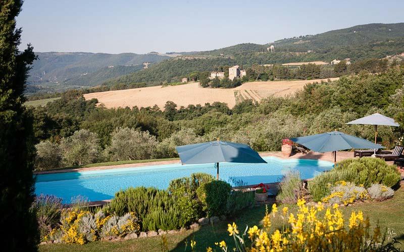 Tenuta di canonica hotel todi for Hotels in orvieto with swimming pool