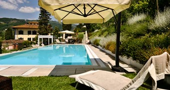 Villa Parri Pistoia Lucca hotels
